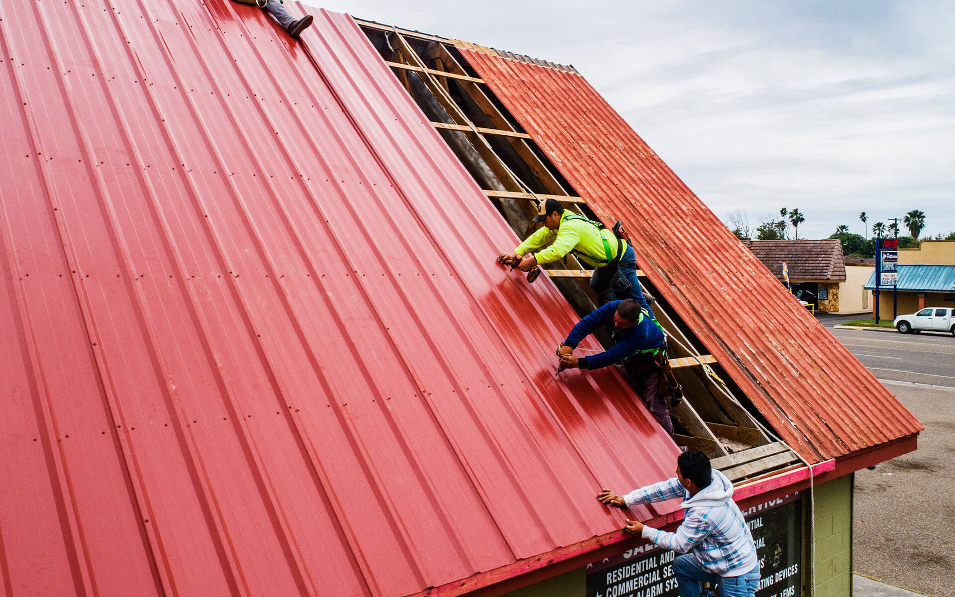 McAllen Valley Roofing commercial install metal roof in San Antonio Texas
